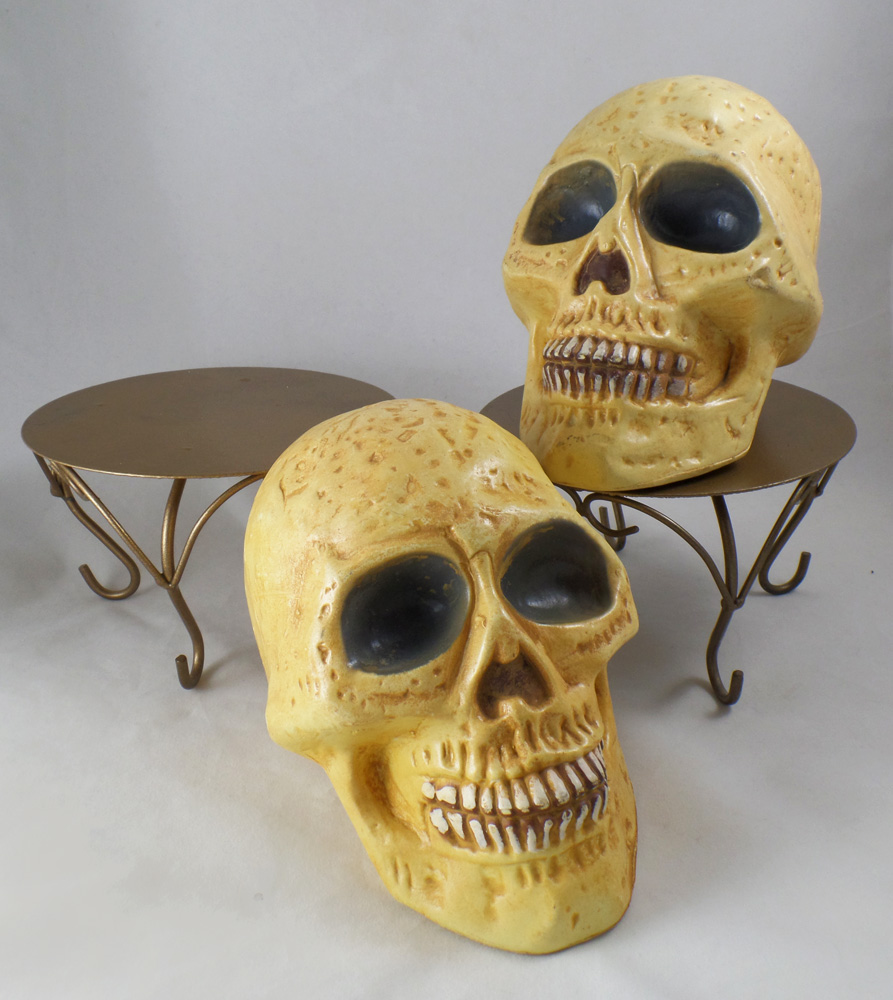 ArtResurrected-Skull-Decor-Chalk-Paint-Tracy-Alden-2 - Copy