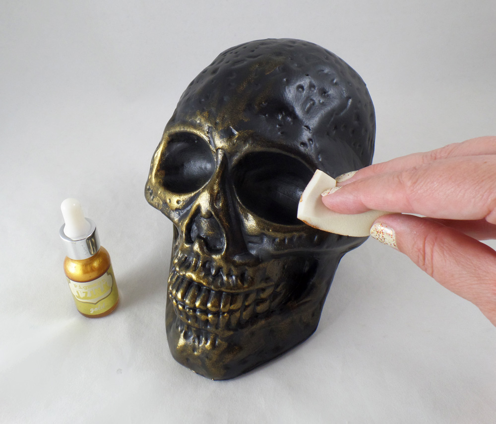 ArtResurrected-Skull-Decor-Chalk-Paint-Tracy-Alden-4 - Copy